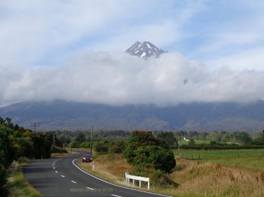 Approaching the mountain. Martin Drury © 2013