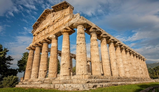 The Pleasures of the Greek colony of Paestum – in Italy!