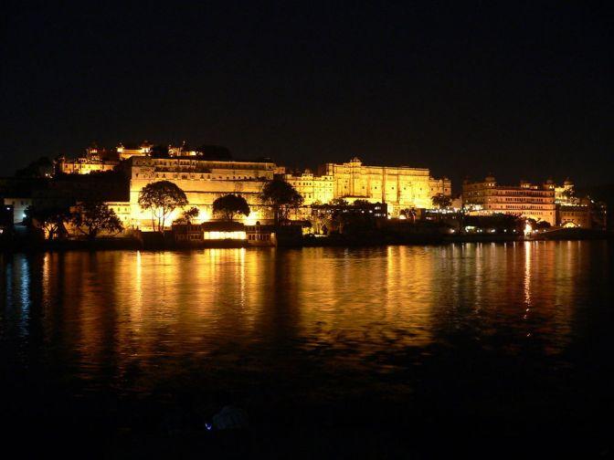 Udipur Palace at Night: Image Credit http://wikitravel.org/en/Udaipur