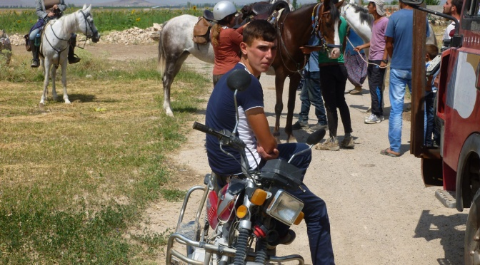 19 August: meeting up with the riders and local friends outside Bağlama