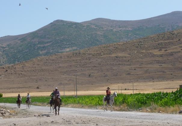 20 August: Riders arriving outside Çiftlik