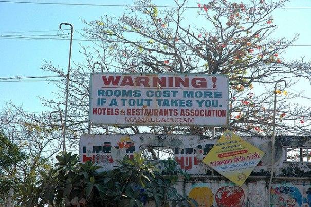 Tout Warning Signboard at Mamallapuram, near Chennai – Photo by Ashley Bristowe, CC BY-NC-ND 2.0